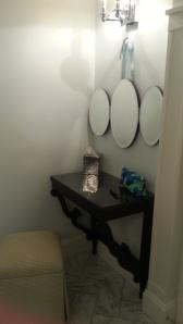 Bedford Springs Resort, Hotel room bathroom